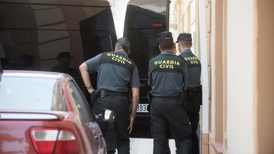 Un hombre de 71 años mata a su mujer con un hacha en Granada y luego se suicida