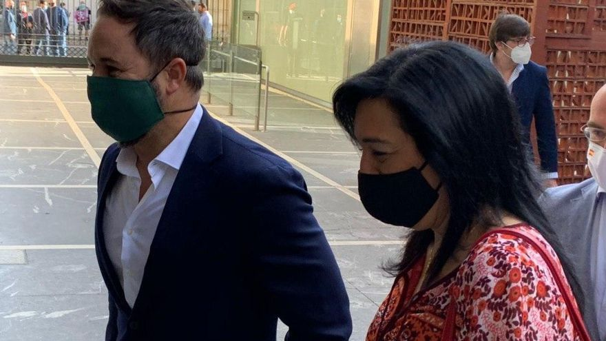 Cordón sanitario a Vox en su estreno en el Parlamento Vasco: dos tercios menos en la tribuna, menos iniciativas y un solo asesor