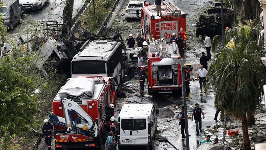 Al menos 11 muertos y 36 heridos en un atentado en el centro de Estambul