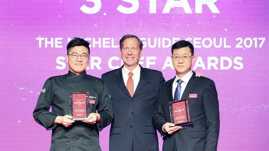 """Michelin corona con """"tres estrellas"""" a dos locales en su estreno en Seúl"""