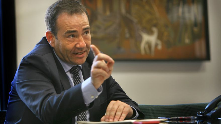 Manuel Illueca, director general del Instituto Valenciano de Finanzas, durante una entrevista.