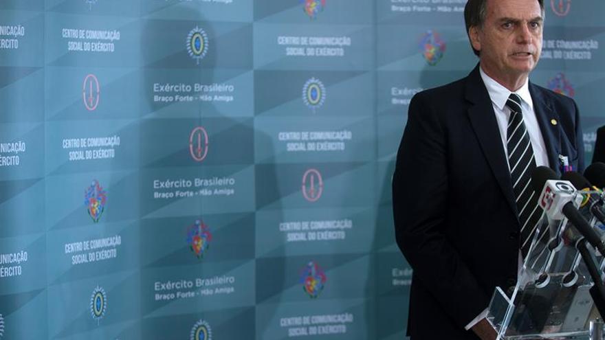 El ultraderechista Jair Bolsonaro completa su inédito Gobierno cívico-militar