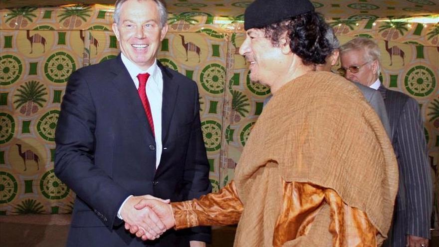 Blair defiende su ayuda para poner fin del aislamiento de Gadafi
