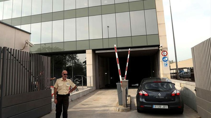 Registro de la Guardia Civil en el Centro de Telecomunicaciones de la Generalitat