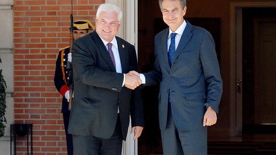 Zapatero recibe en La Moncloa al entonces presidente panameño. Ricardo Martinelli, en julio de 2011. LA MONCLOA