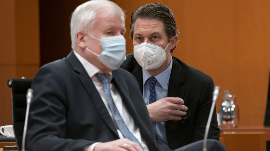 """Berlín quiere más poder contra la pandemia ante el """"descontrol"""" regional"""