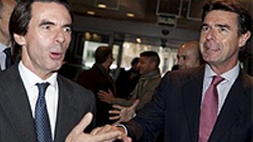 """""""Nos lo han dicho muchas veces"""", contestó Soria a la pregunta sobre su parecido con Aznar."""