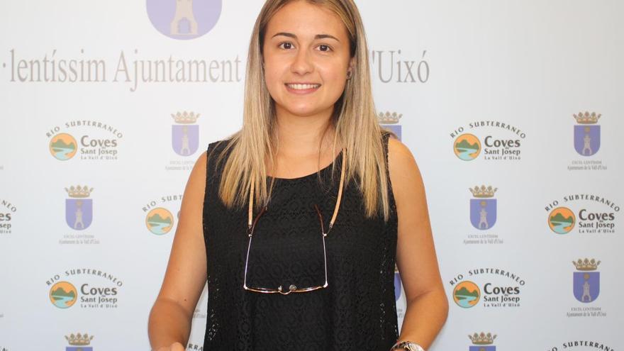La alcaldesa de la Vall d'Uixò, Tania Baños, en rueda de prensa