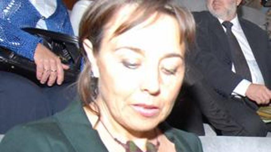 Ángela Mena.