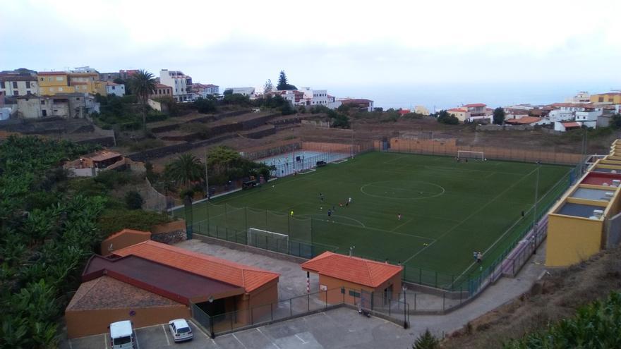 Panorámica del campo de fútbol de Agulo