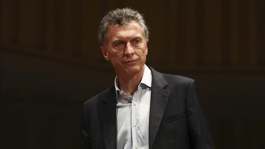 Macri implementa a ritmo acelerado su cambio en Argentina