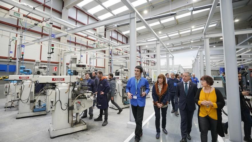Urkullu visita en Bergara el nuevo CIFP Miguel Altuna, el primer centro inteligente impulsado por la FP vasca