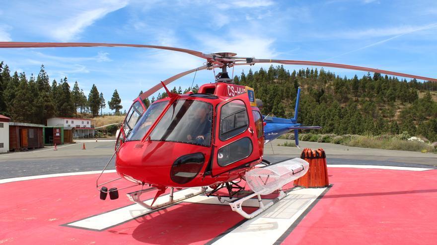 Helicóptero de extinción de incendios contratado por el Cabildo de Gran Canaria