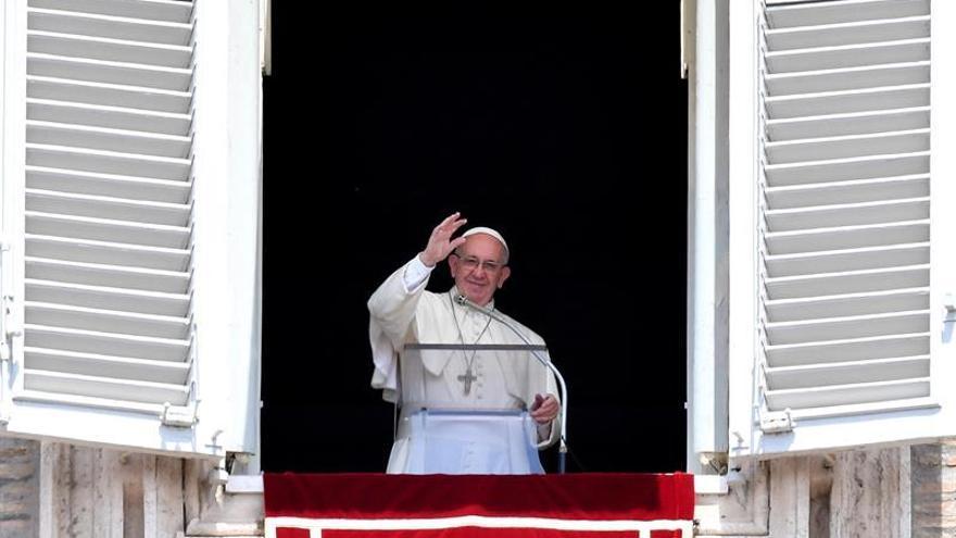 El Papa expresa dolor y horror por el ataque en una iglesia en Ruán