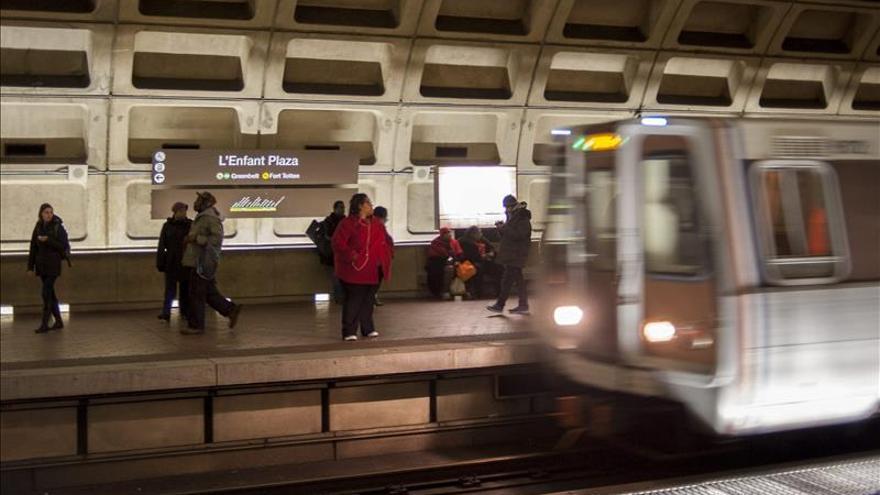 Evacúan el metro de Washington por una nube de humo, la segunda vez en un mes