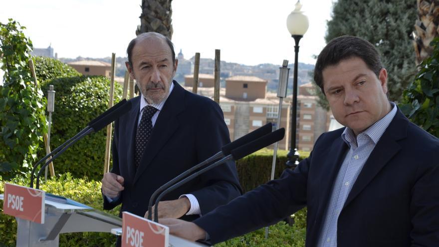 """García-Page cree que Rubalcaba, con las primarias, """"está abriendo una puerta que probablemente él mismo no pase"""""""