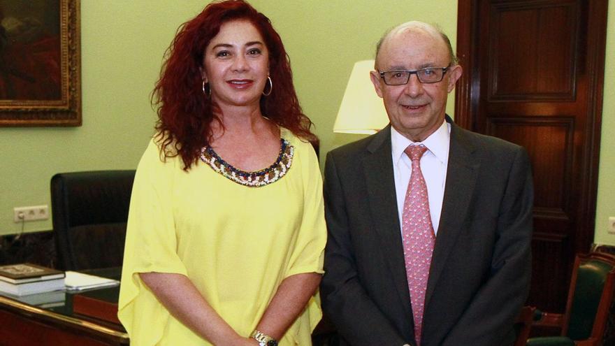 La presidenta de la ZEC, Beatriz Barrera, se reunió en Madrid con el ministro de Hacienda, Cristóbal Montoro.