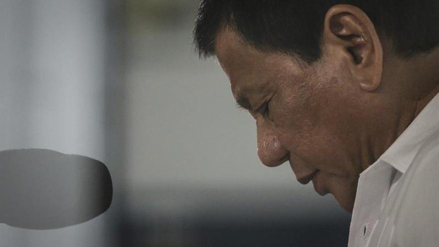 """Duterte mantiene una """"muy buena"""" aprobación de los filipinos"""