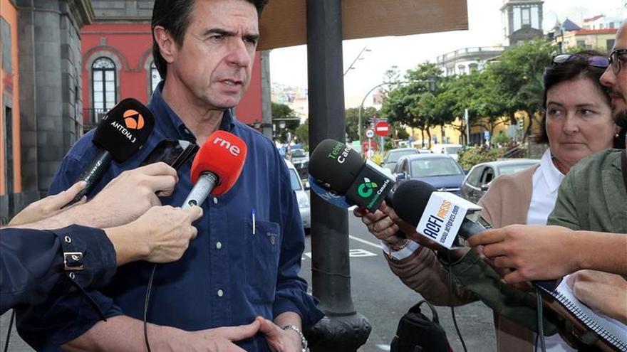 Soria cifra en 15.000 millones el ahorro de España por abaratamiento de crudo