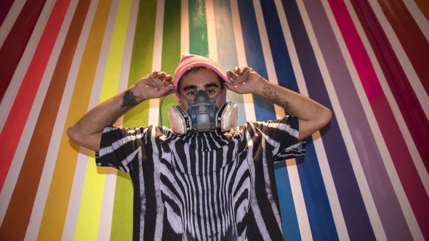 El artista cántabro Okuda.   JOAQUÍN GÓMEZ SASTRE