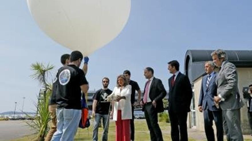 Imagen del lanzamiento del globo estratosférico experimental. EFE/Lavandeira jr