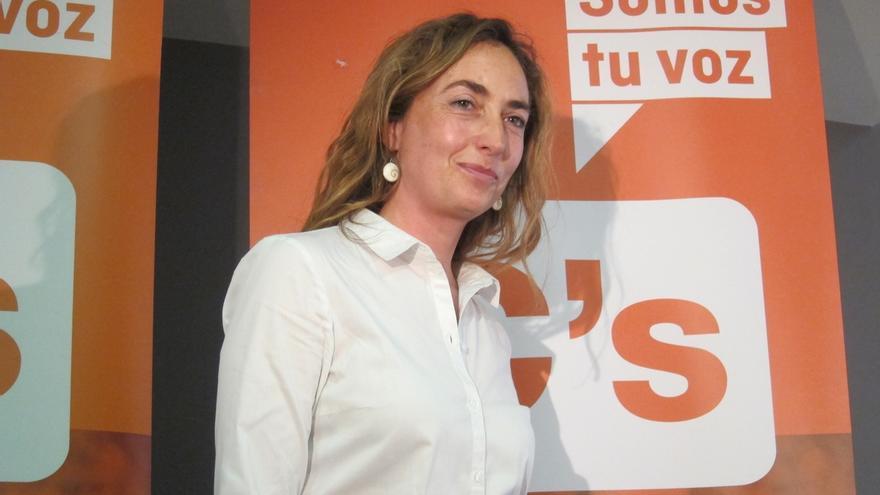 "Cs abre expediente de expulsión a Carolina Punset por ""viajar a Waterloo en coche oficial para reunirse con Puigdemont"""