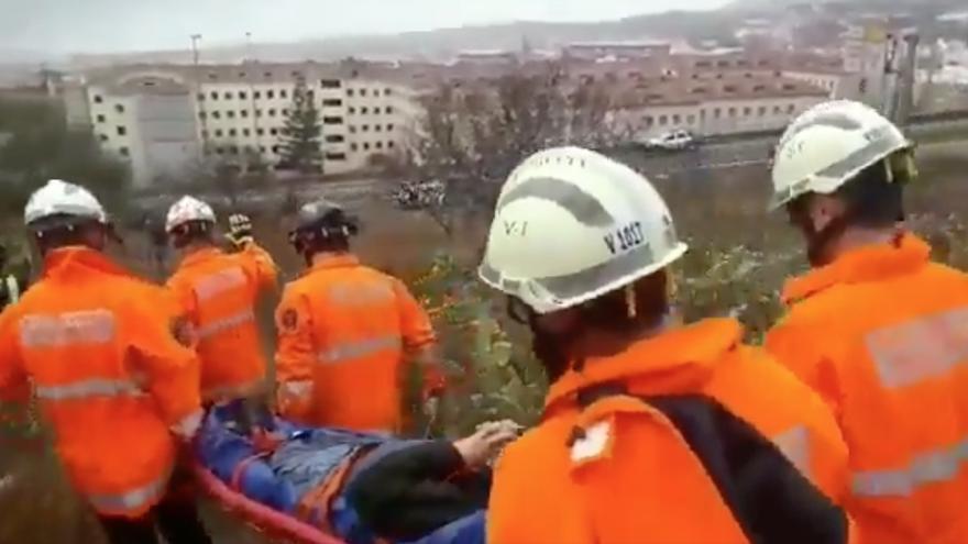 Rescate del senderista accidentado en San Roque