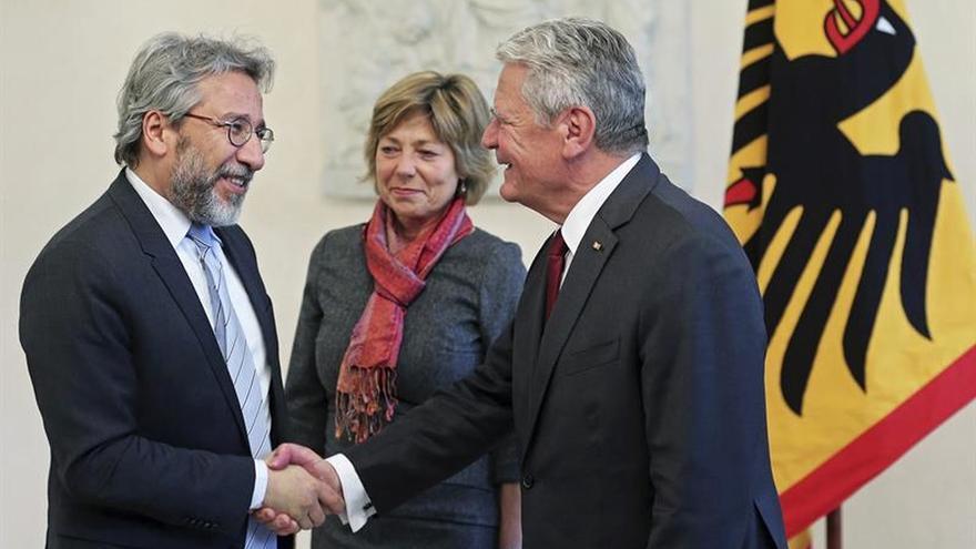 """El presidente alemán recibe al exdirector de """"Cumhuriyet"""", condenado en Turquía"""