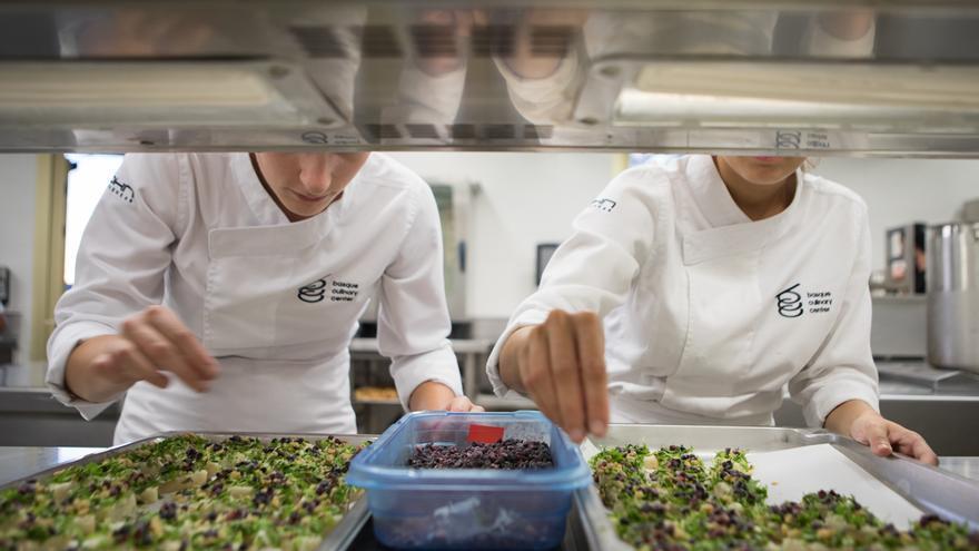 El centro que convirti la cocina en universidad elkarbide - Isletas de cocina ...