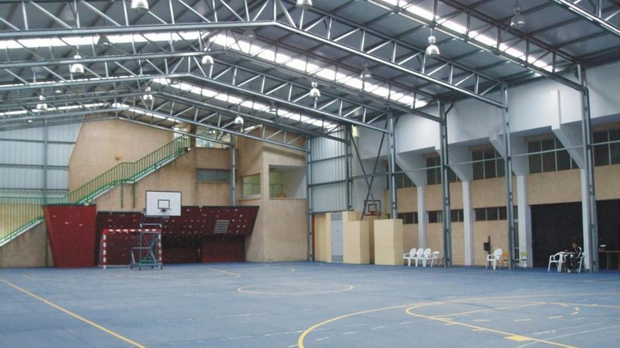 Instalación deportiva del Instituto de Educación Secundaria (IES) 'Candido Marante Expósito' y Colegio Público 'José Luis Albendea y Gómez de Aranda'.