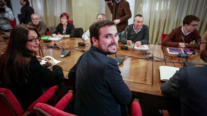 """IU sólo acudirá hoy a la reunión a cuatro para avisar al PSOE de que su pacto con C's es """"incompatible"""" con la izquierda"""