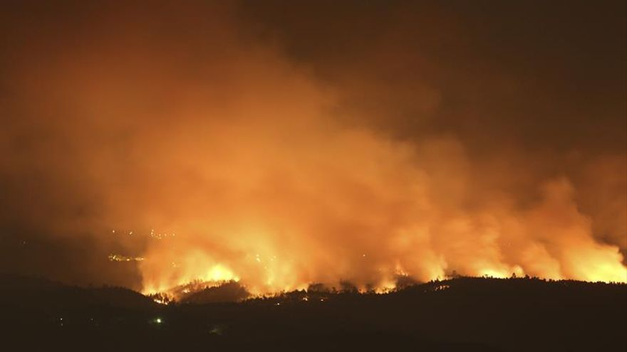 Protección Civil espera controlar el incendio en el centro de Portugal en las próximas horas