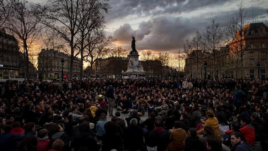 Los estudiantes franceses se manifiestan de nuevo contra la reforma laboral