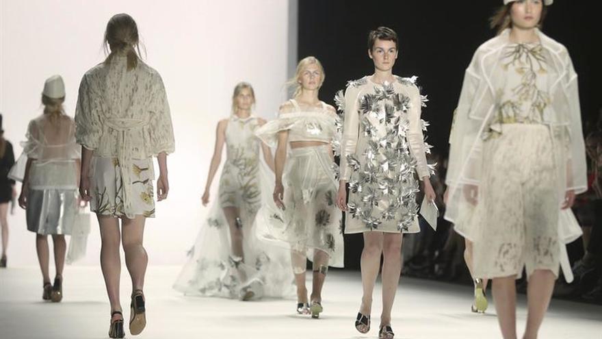 """Comienza la """"Berlin Fashion Week"""" con las tendencias para el verano de 2017"""