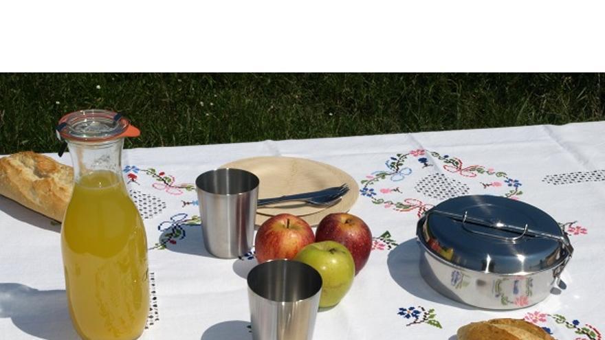 Un set de picnic es uno de los productos que se pueden encontrar en la tienda. / Sinplástico