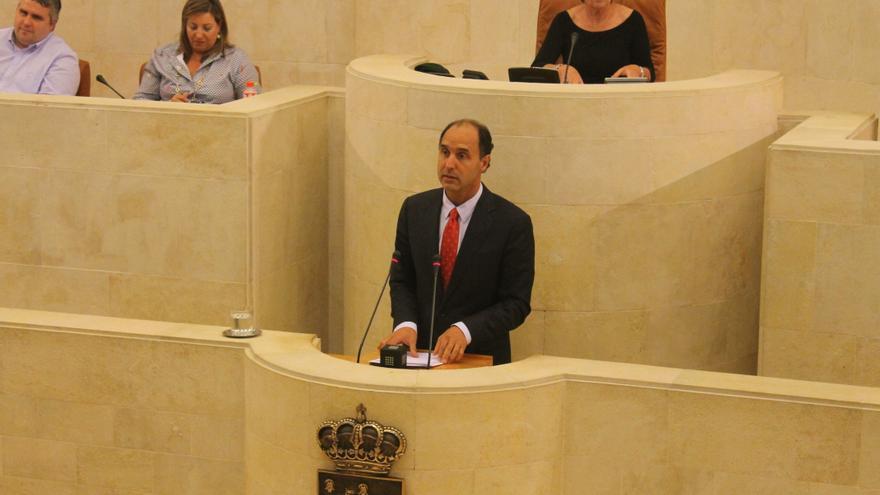 Ignacio Diego durante su comparecencia en el Parlamento
