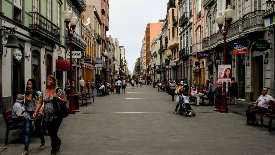 Calle Mayor de Triana, principal arteria comercial del casco viejo de Las Palmas de Gran Canaria.