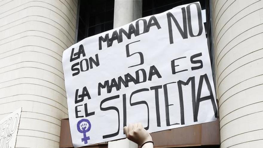 Llegan a un millón las firmas para inhabilitar al tribunal de La Manada