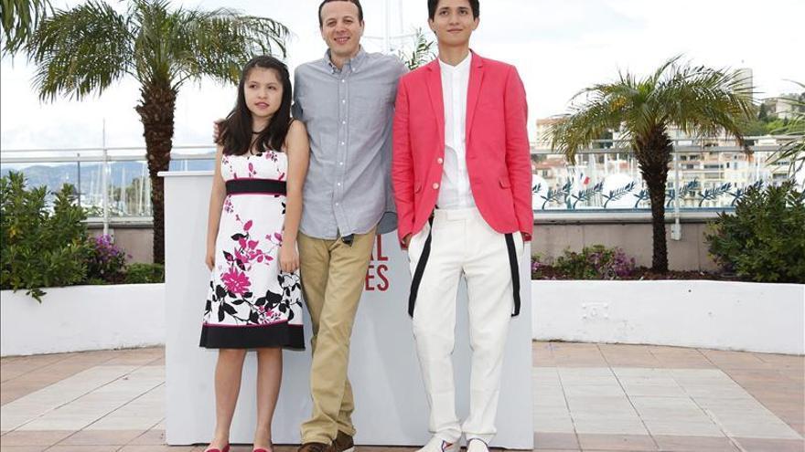"""Escalante provoca reacciones encontradas en Cannes por la violencia de """"Heli"""""""