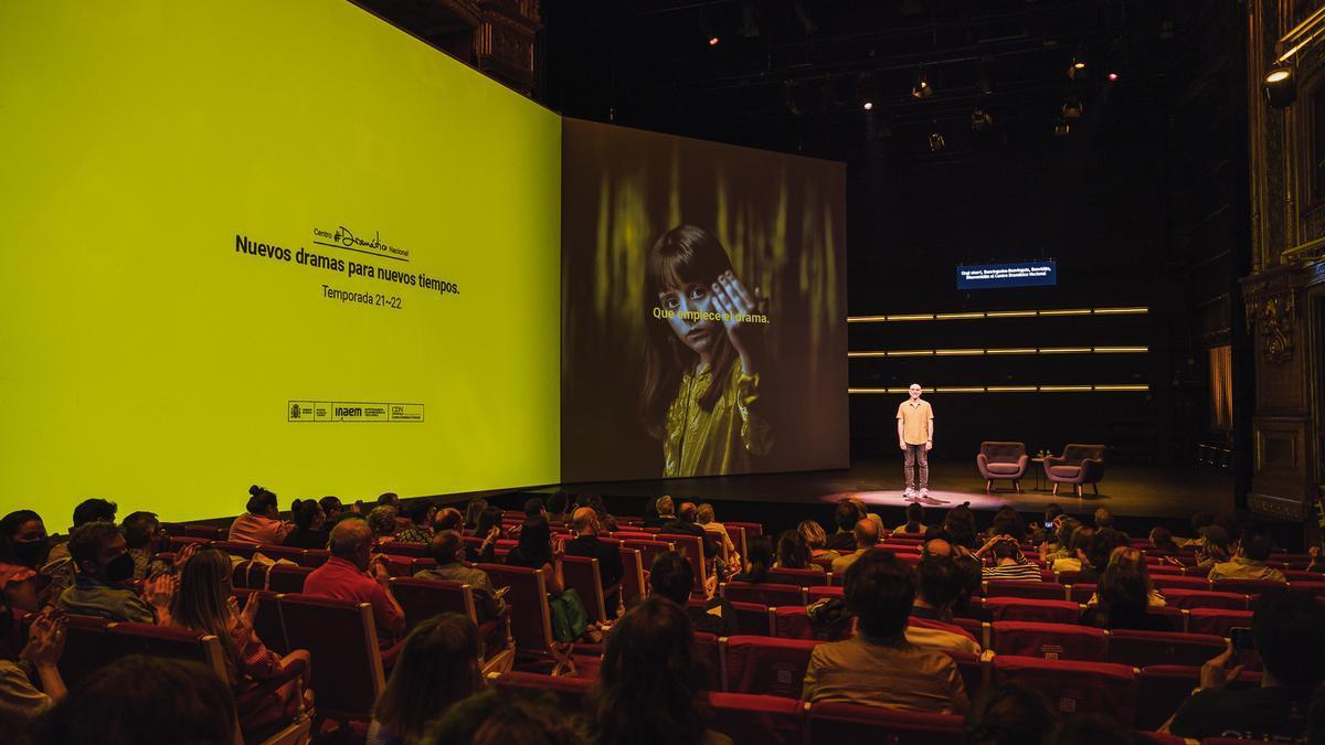 """Con el lema """"Nuevos dramas para nuevos tiempos"""", el Centro Dramático Nacional presentó su nueva temporada 2021-22 en el Teatro Valle-Inclán de Madrid."""