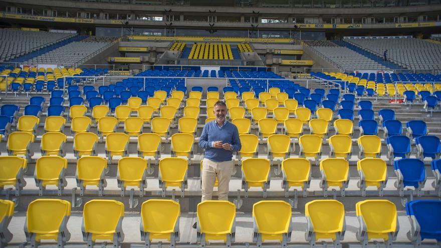 El consejero de Deportes del Cabildo de Gran Canaria, Ángel Víctor Torres, en el Estadio de Gran Canaria