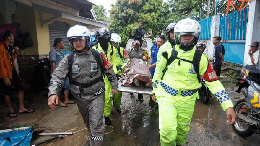 La UE ofrece apoyo a Indonesia en las labores de rescate tras el tsunami
