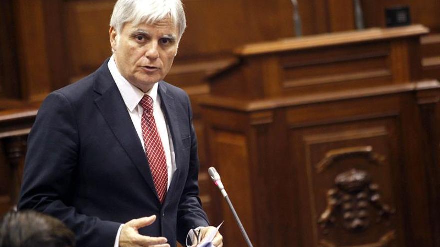 José Miguel Pérez, consejero de Educación y vicepresidente del Gobierno de Canarias. Efe.