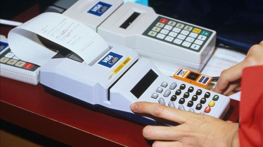 Cuba habilitará el uso de tarjetas magnéticas en todas sus tiendas para 2016
