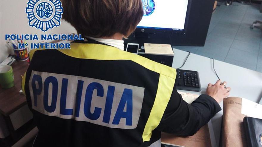 Detenido un hacker por sustraer 16.000 cuentas de usuario de un centro universitario de Gran Canaria.