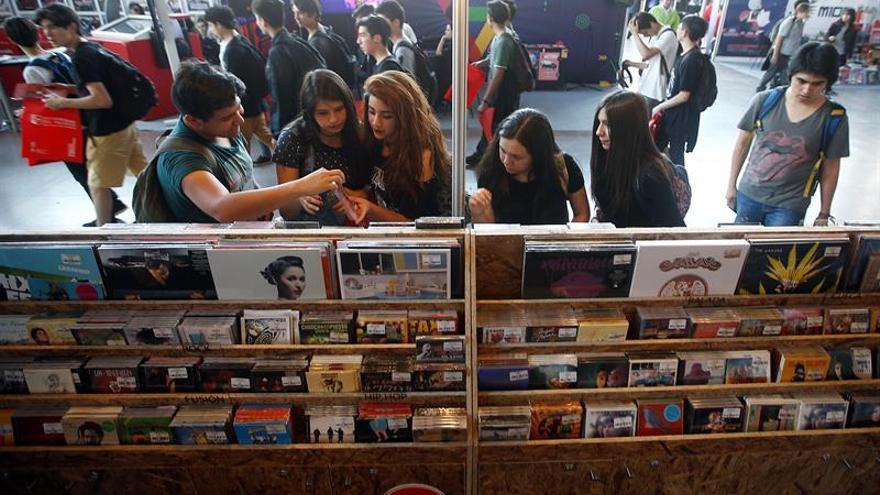 Los autores apenas consiguen el 10 % de los beneficios del mercado digital