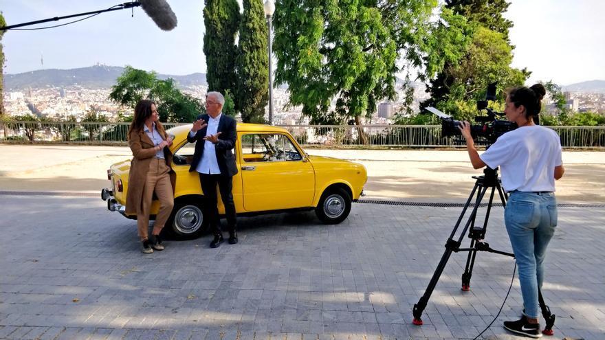 Mamen Mendizábal conversa con Javier Sardá en el primer programa de 'Palo y astilla'