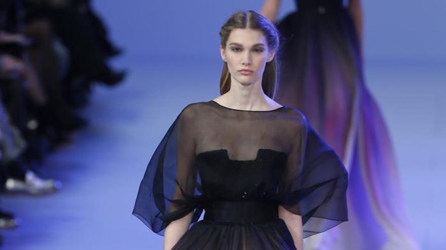 La Alta Costura de Gaultier y Saab se adelanta a la primavera