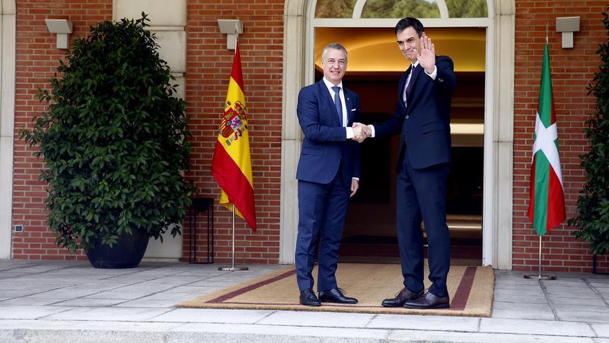 El Lehendakari, Iñigo Urkullu, con el presidente Pedro Sánchez en La Moncloa