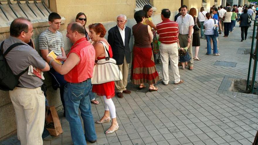 CCOO denuncia que no hay cita para el DNI hasta octubre en casi toda España